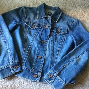 GAP denim jacket distressed size small